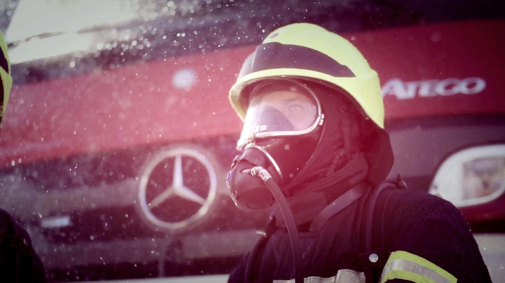 Mercedes-Benz_Interschutz_Trailer_by_Jarek_Raczek_WEB