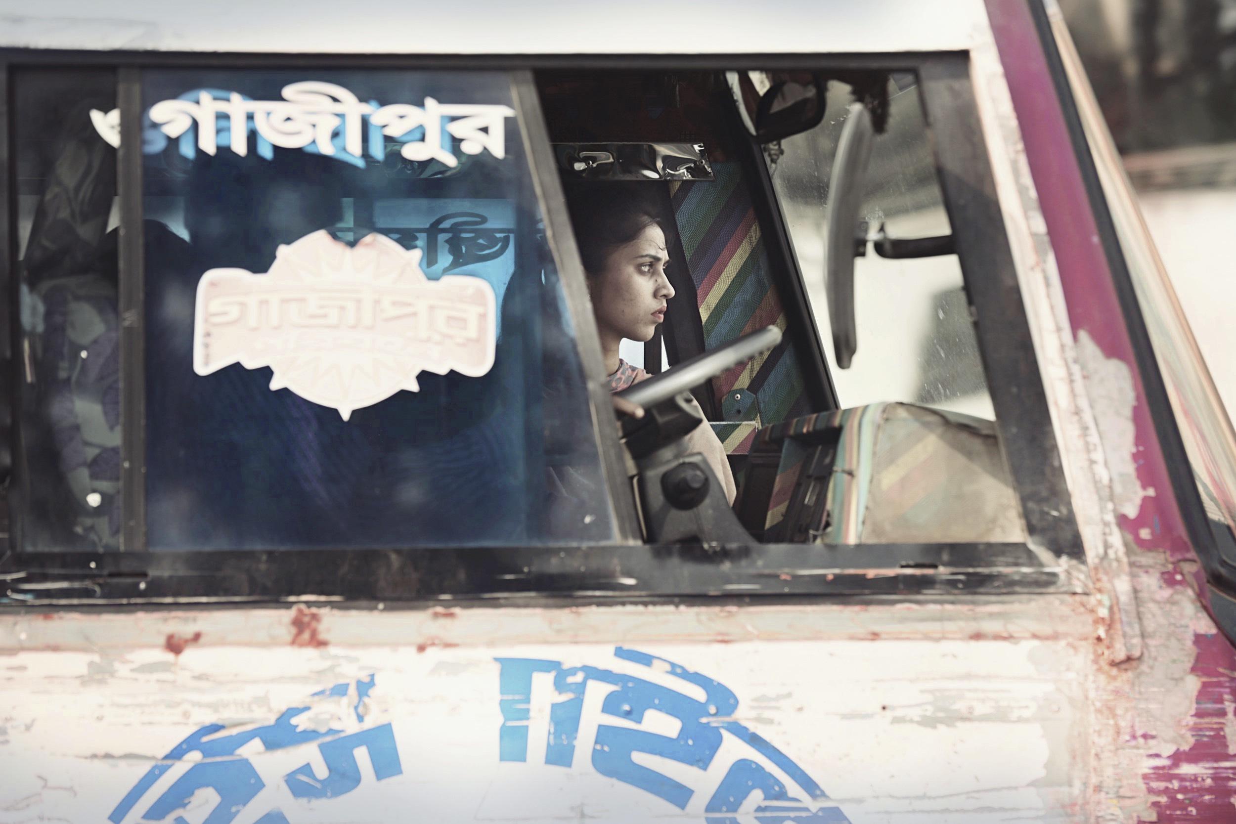 _P8B1177_Bangladesh_Woman_in_Bus_foto_by_Jarek_Raczek_WEB_final2